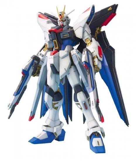 Master Grade Strike Freedom Gundam Pose 1