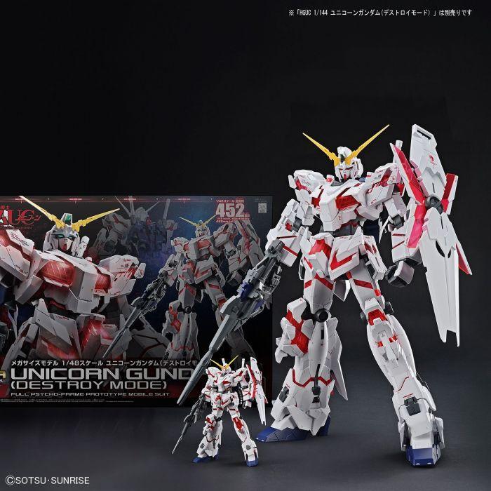 Mega Size Gundam Unicorn Pose 1