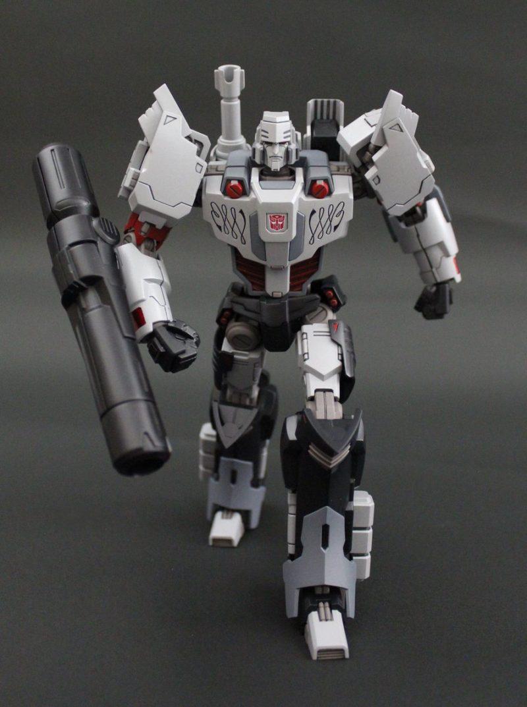 Megatron IDW Pose 2