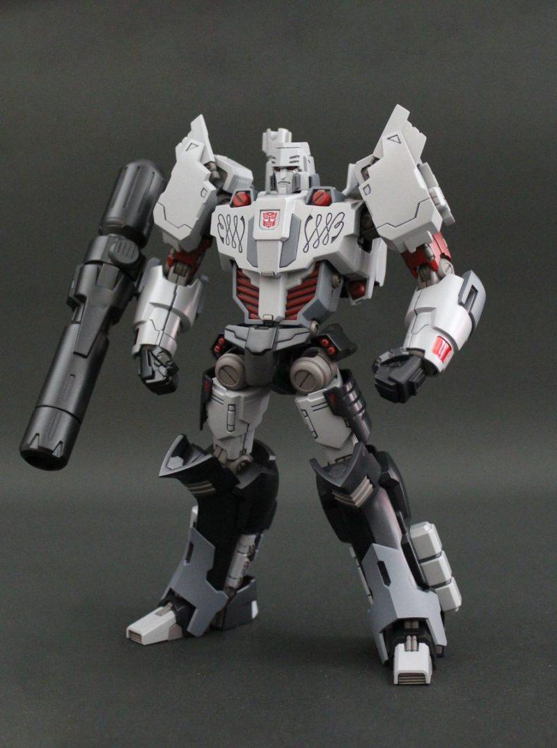 Megatron IDW Pose 1