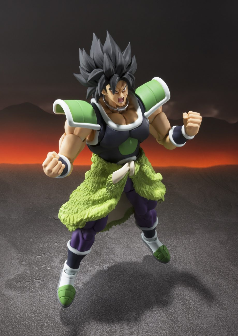 Broly S.H. Figuarts Pose 3