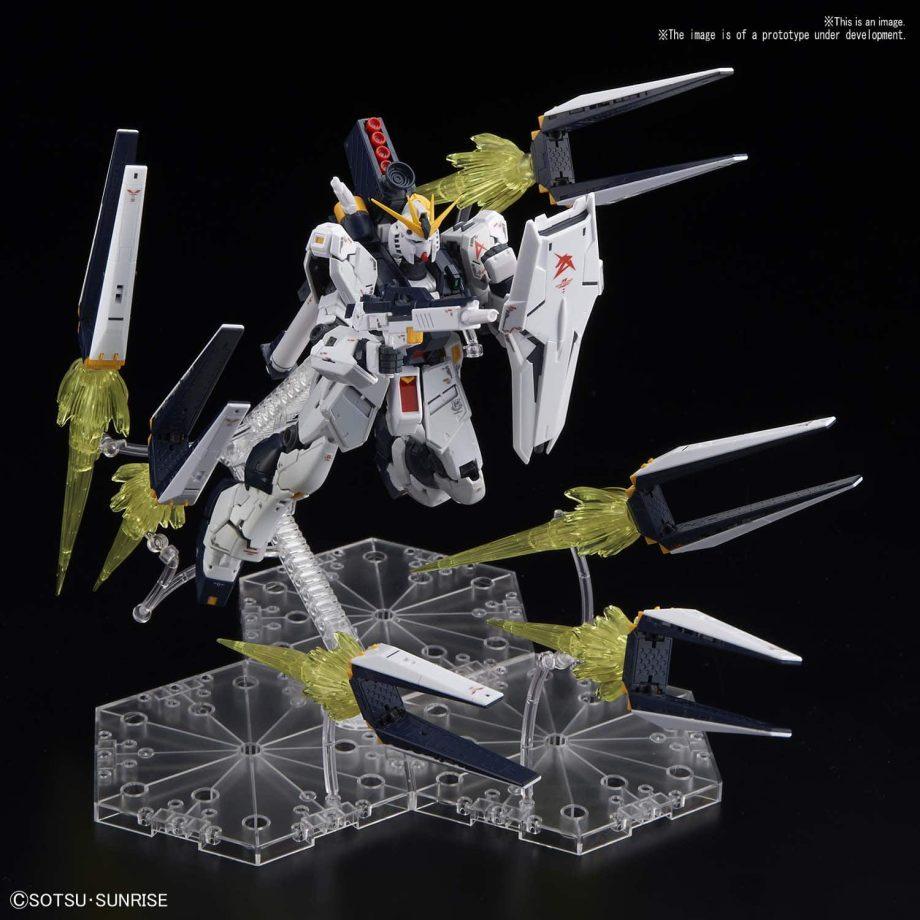 Real Grade Νu Gundam Fin Funnel Effect Set Pose 2