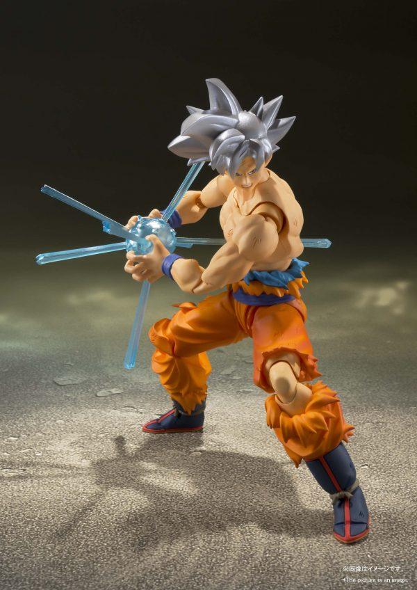 Son Goku Ultra Instinct SH Figuarts Pose 7