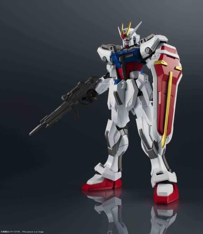 Gundam Universe GAT-X105 Strike Gundam Pose 1