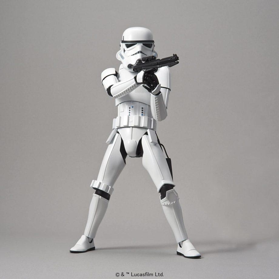 1/6 Stormtrooper Model Kit Pose 1