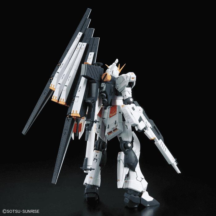 Real Grade Nu Gundam Pose 2