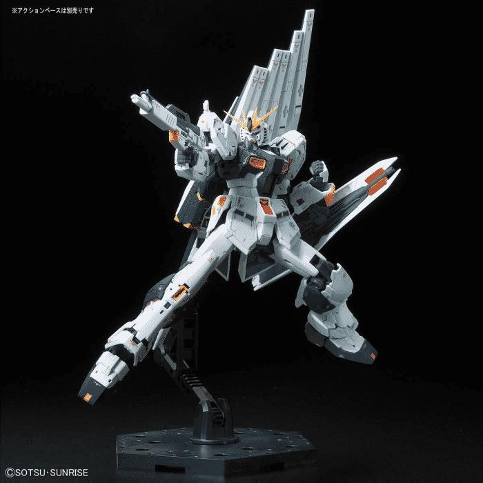 Real Grade Nu Gundam Pose 3