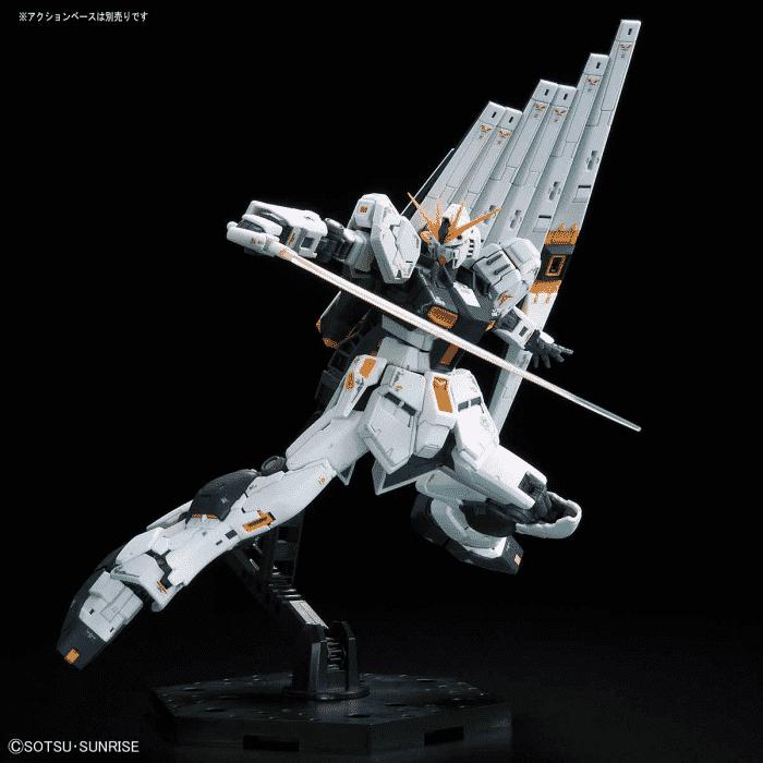 Real Grade Nu Gundam Pose 5