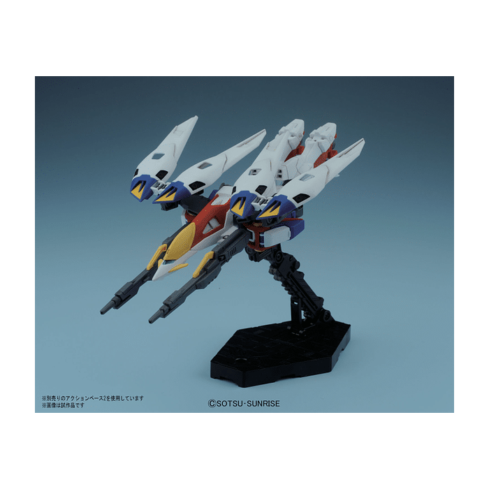 1/144 High Grade Wing Gundam Zero Pose 3