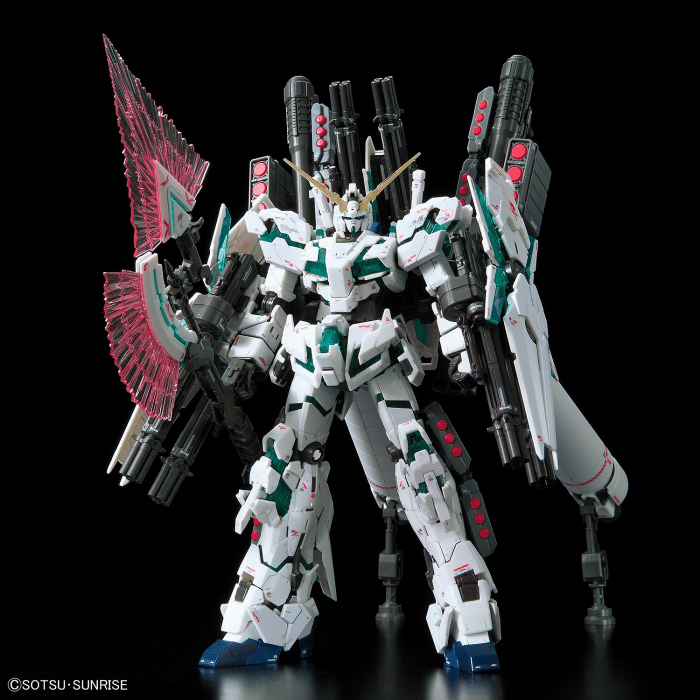 Real Grade Full Armor Unicorn Gundam Pose 1