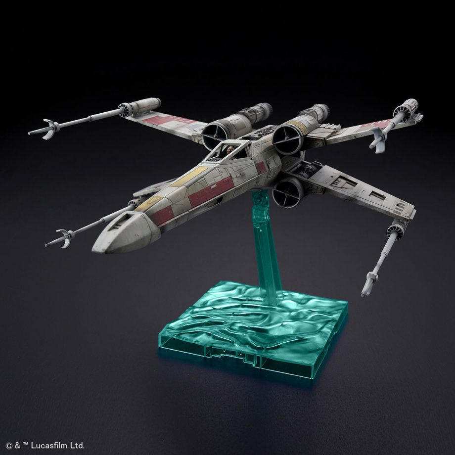1/72 X-Wing Starfighter Red5 The Rise Of Skywalker Pose 1