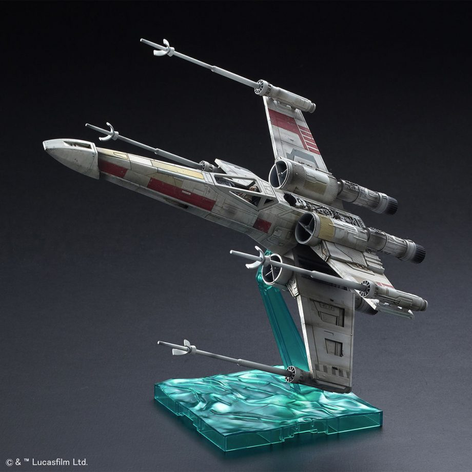 1/72 X-Wing Starfighter Red5 The Rise Of Skywalker Pose 2