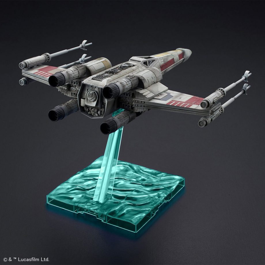 1/72 X-Wing Starfighter Red5 The Rise Of Skywalker Pose 3