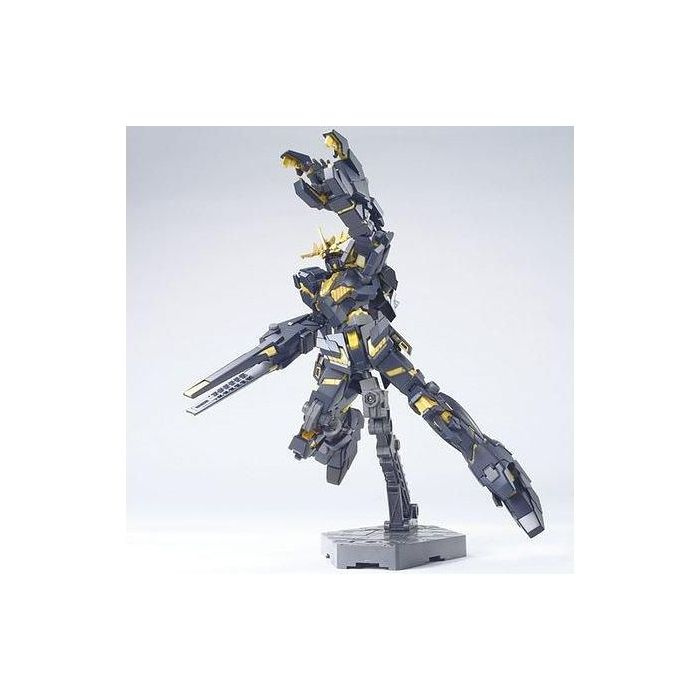 High Grade RX-0 Unicorn Gundam 02 Banshee Destroy Mode Pose 2